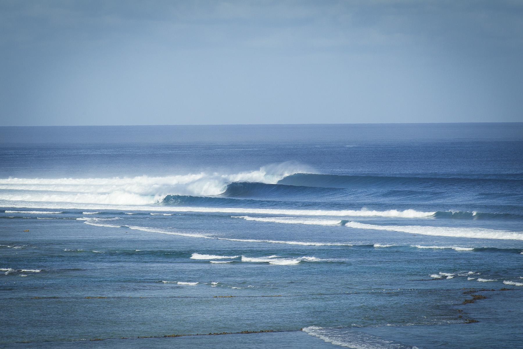 SURF & ROUTES